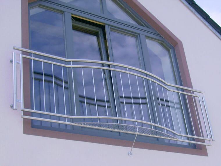 Stahlgeländer befestigt von AR Edelstahldesign bei Straubing