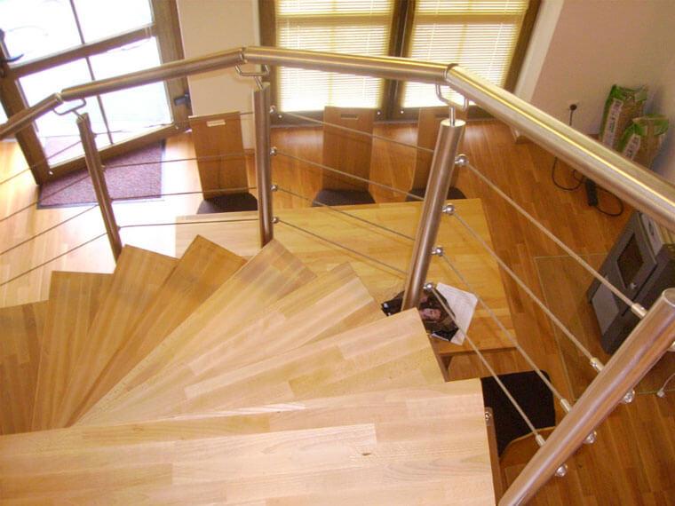 Treppengeländer aus Edelstahl von AR Edelstahldesign in Straßkirchen